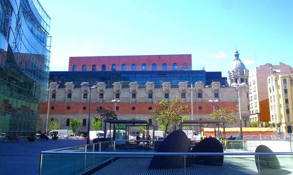 Alhondiga-bilbao art pays basque starck