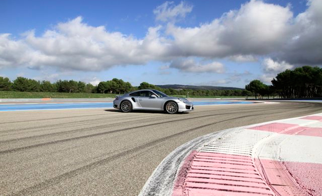Porsche circuit pays basque