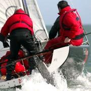 voiles sport grand voile monotype regate Erronda evenements agence de voyage