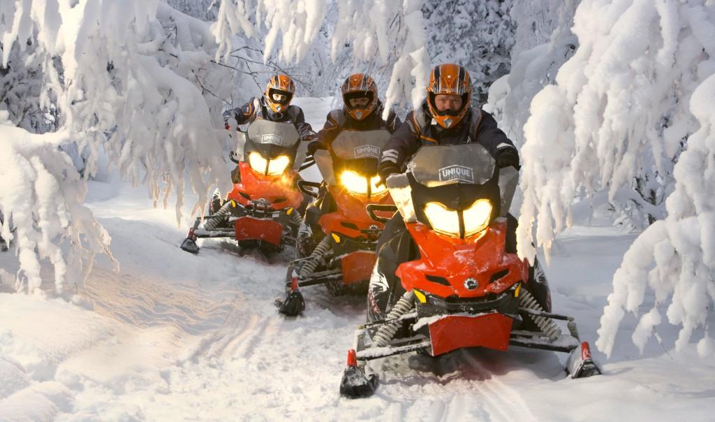 moto neige seminaire pyrenees neige Erronda