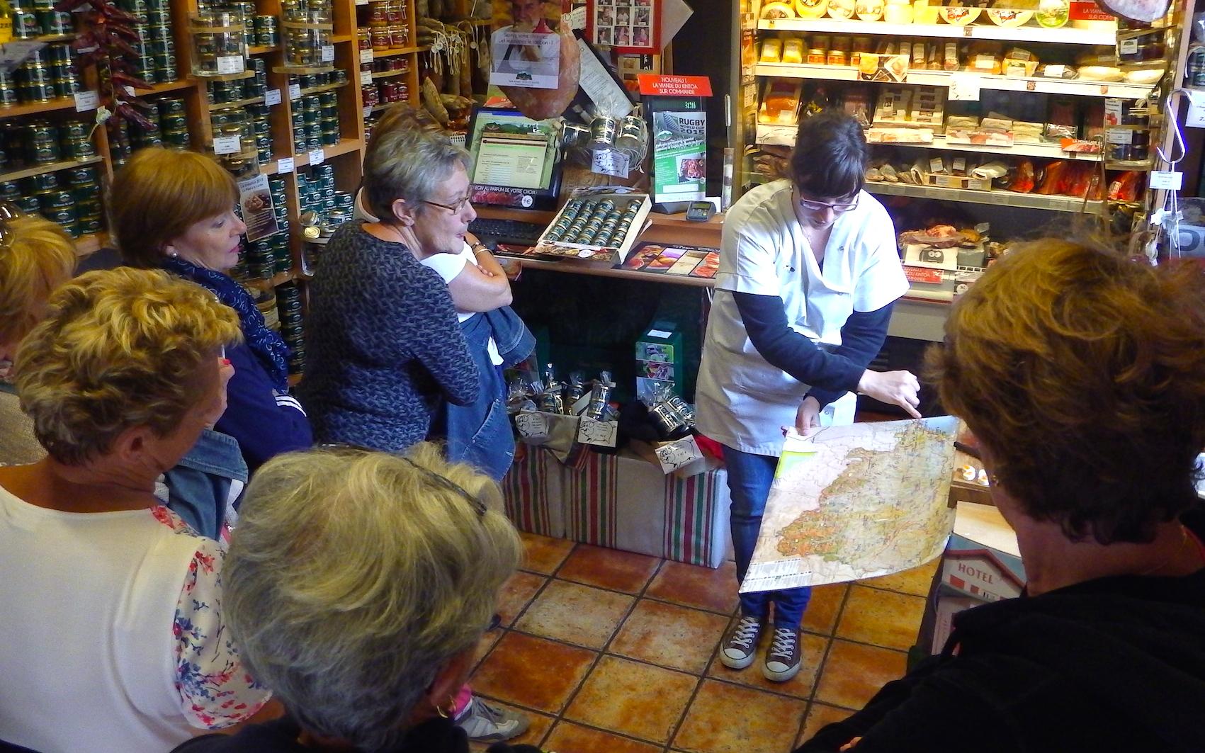 journée-visite-guidée-saint-jean-de-luz-agence-voyage-pays-basque-degustation-charcuterie-pierre-oteiza-23