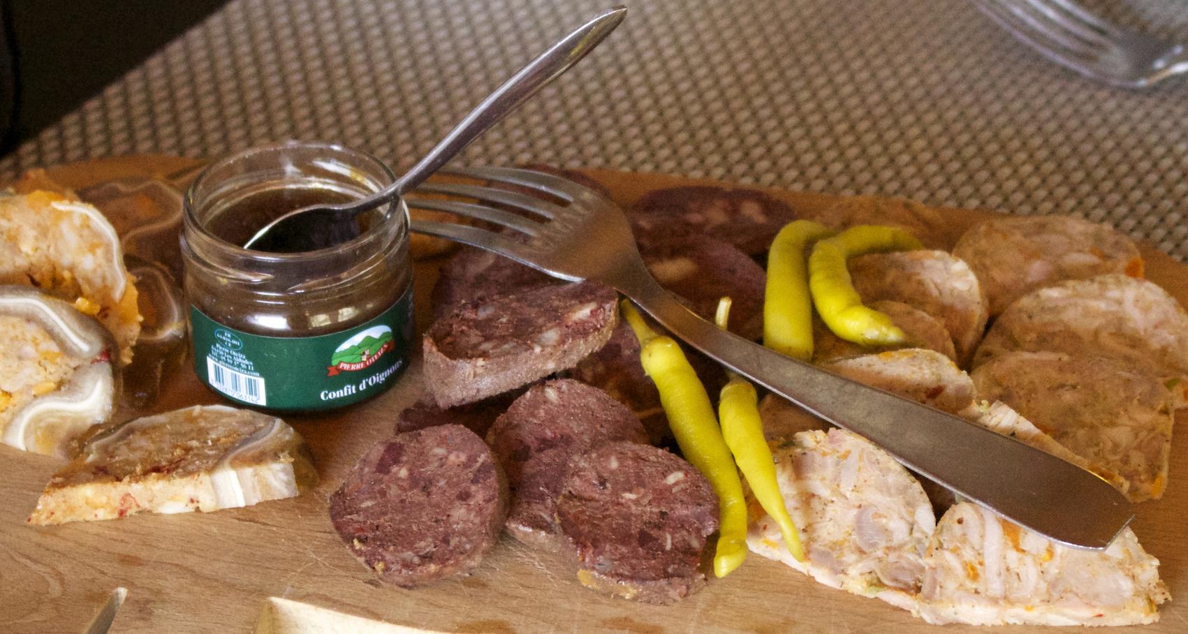 journée-visite-guidée-saint-jean-de-luz-agence-voyage-pays-basque-degustation-charcuterie-pierre-oteiza-26