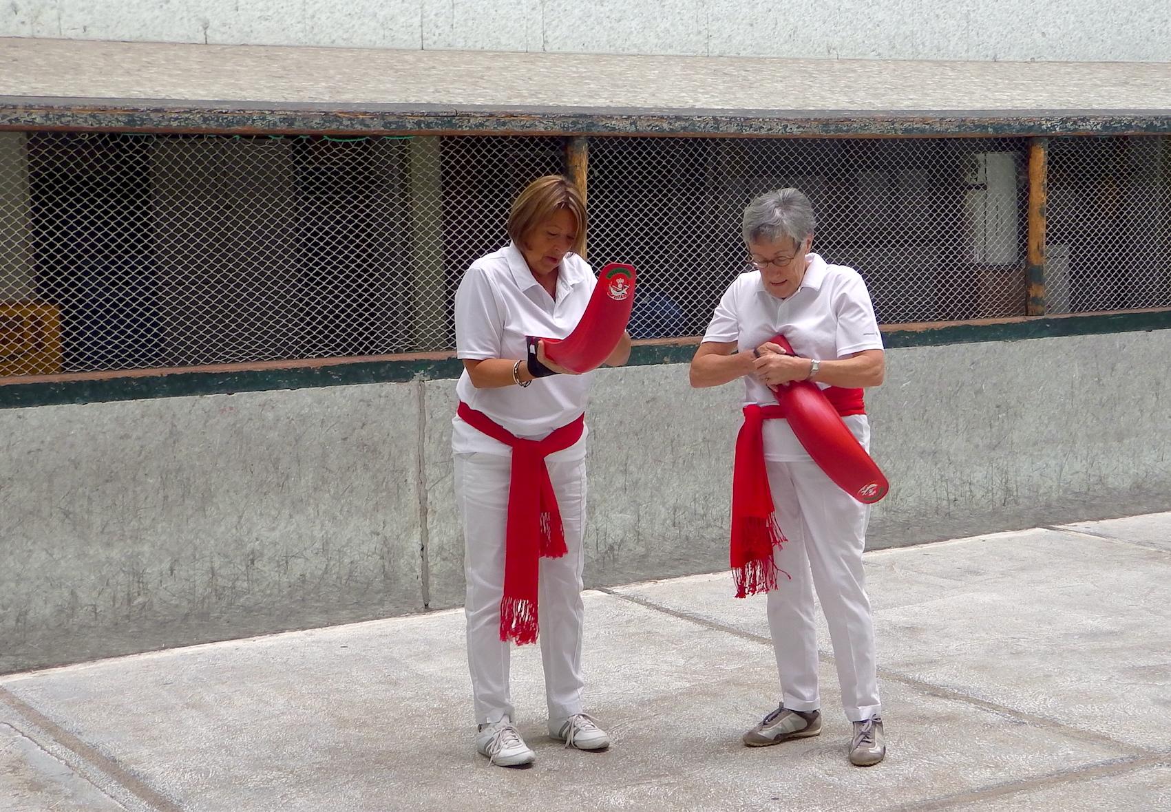 journée-visite-saint-jean-de-luz-agence-voyage-pays-basque-initiation-pelote-basque-8