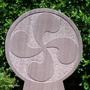 stele discoidale Pays basque Erronda evenements