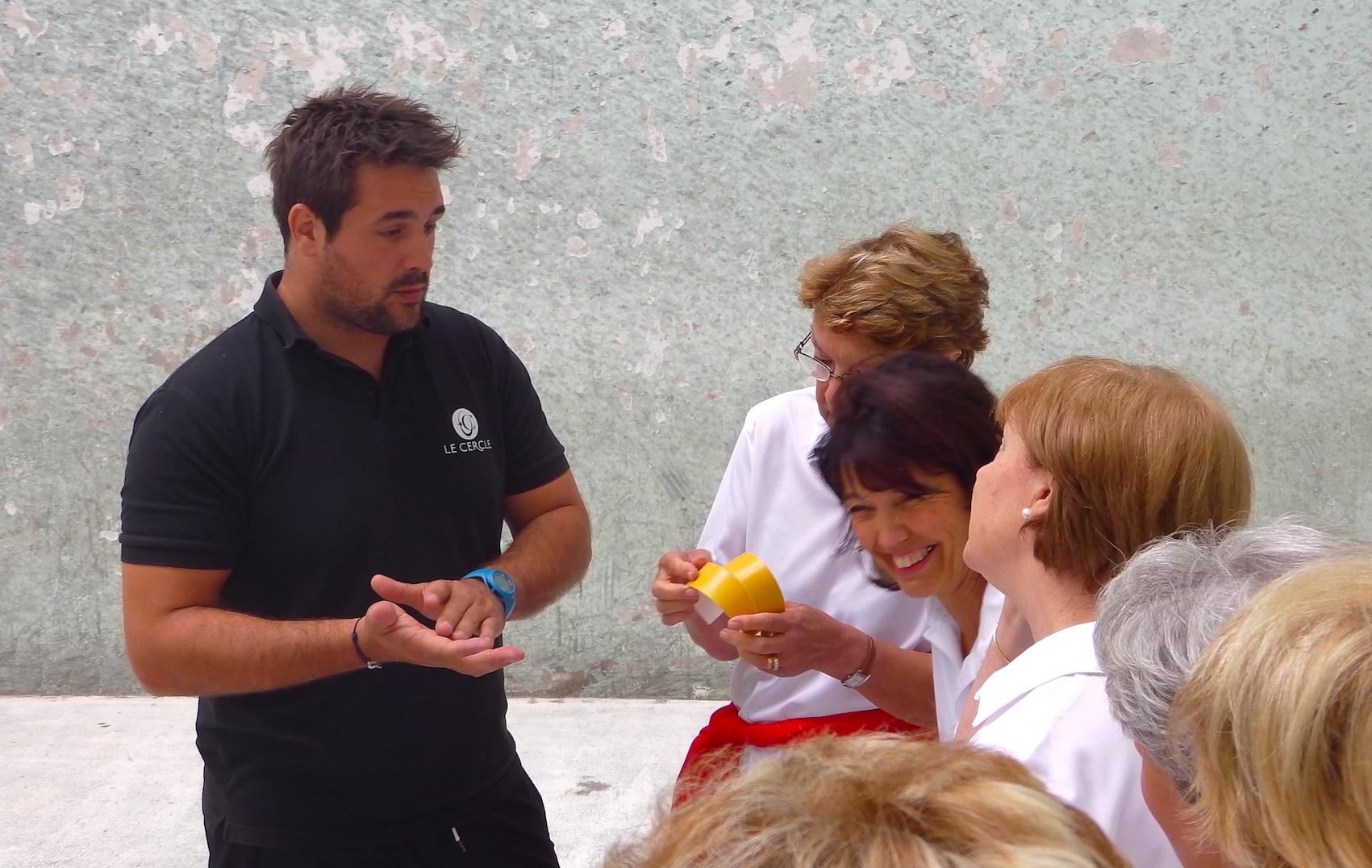journée-visite-saint-jean-de-luz-agence-voyage-pays-basque-initiation-pelote-basque-4