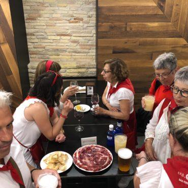 agence voyage pays basque sejour stay trip evasion San Fermin feria Pampelune pamplona coureur encierro visite guidée culturelle fetes feria