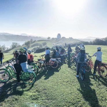 Agence Erronda randonnée vélo électrique pays basque voyages balade ocean montagne biarritz saint jean de luz ascain groupes famille vue baie