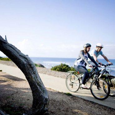 Agence Erronda randonnée vélo électrique pays basque voyages balade ocean montagne biarritz saint jean de luz ascain groupes famille