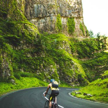 Agence Erronda randonnée vélo électrique pays basque voyages balade ocean montagne biarritz saint jean de luz ascain groupes famille col ibardin pause gourmande vin charcuterie